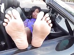 Dark-hued mature babe in the car is ready to get pulverized hard